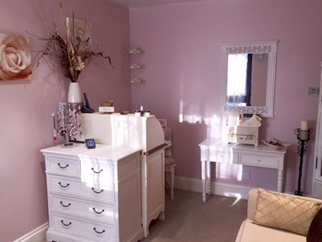 image of a beauty salon interior with a pink theme