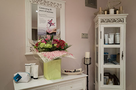 image of inside the foyer of a beauty salon